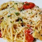 Linguine W/ Garlic, Artichokes, Tomatoes And Fresh Basil
